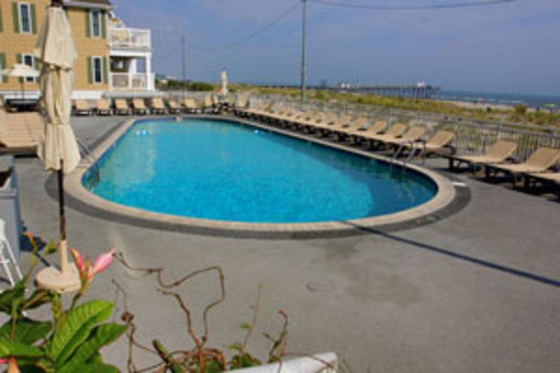 Port o call hotel explore attraction in atlantic city for Pool trade show atlantic city