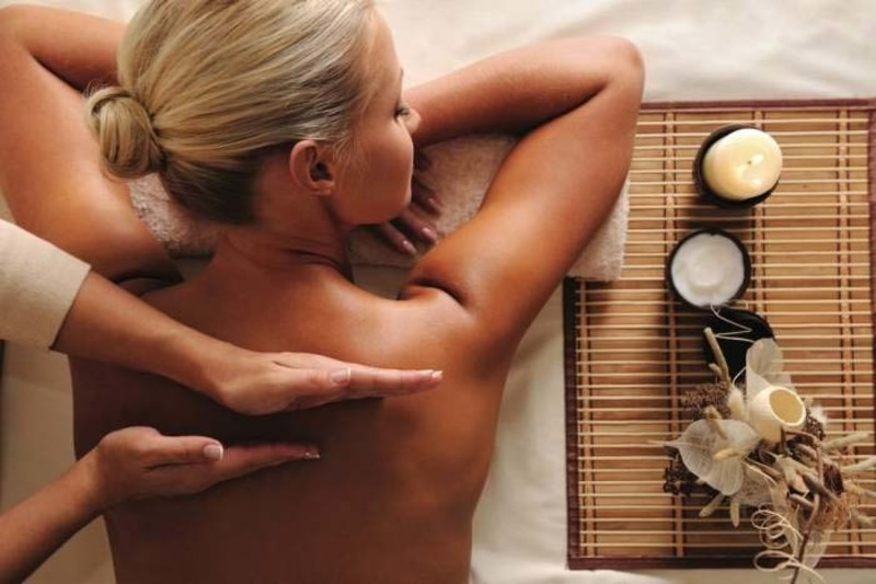 RED DOOR SPA ESCAPE WITH $100 SPA CREDIT