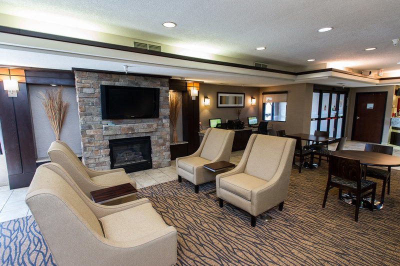 Holiday Inn Express & Suites, Topeka Featured Image