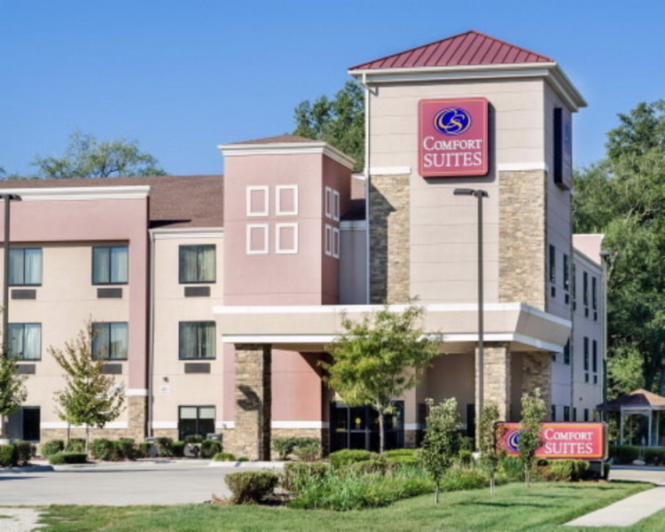 Comfort Suites Topeka Featured Image
