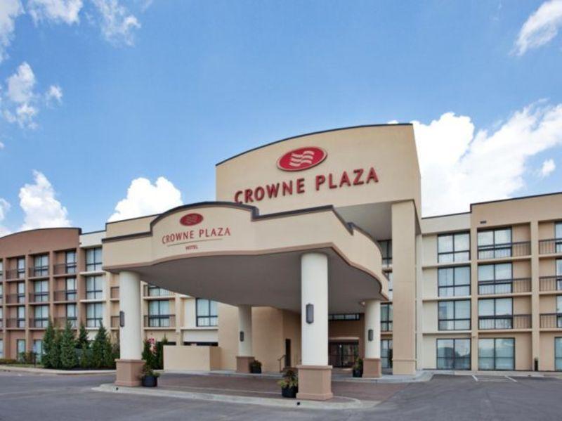Crowne Plaza - Lenexa Featured Image