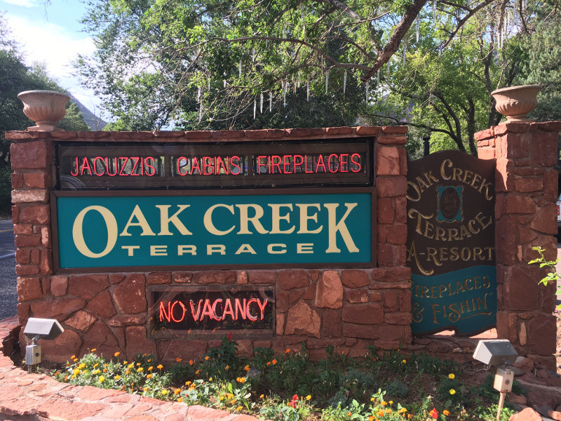 Sedona az hotels resorts and lodging visit sedona for Cabins in oak creek canyon