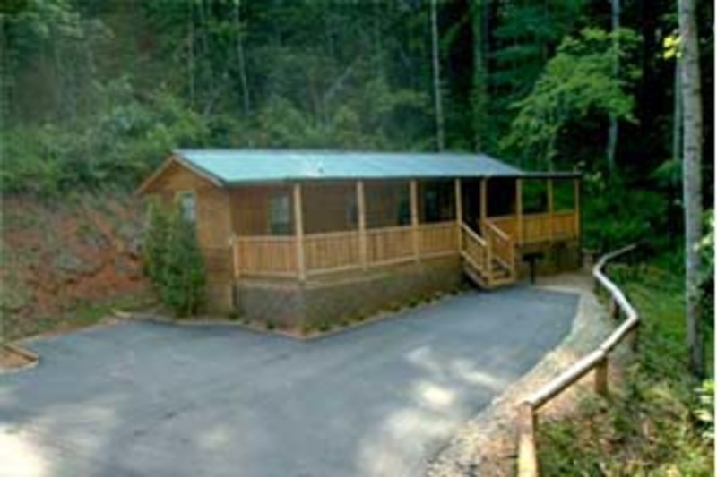 Big Bear Log Cabins Are Located On A Quiet Mountainside In Franklin, North  Carolina. They Are Less Than A Mile From Town And Make A Perfect Base  Location ...