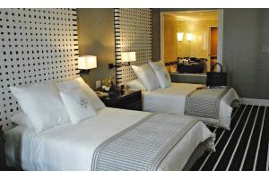 Royal Orchid - Deluxe Gray Room