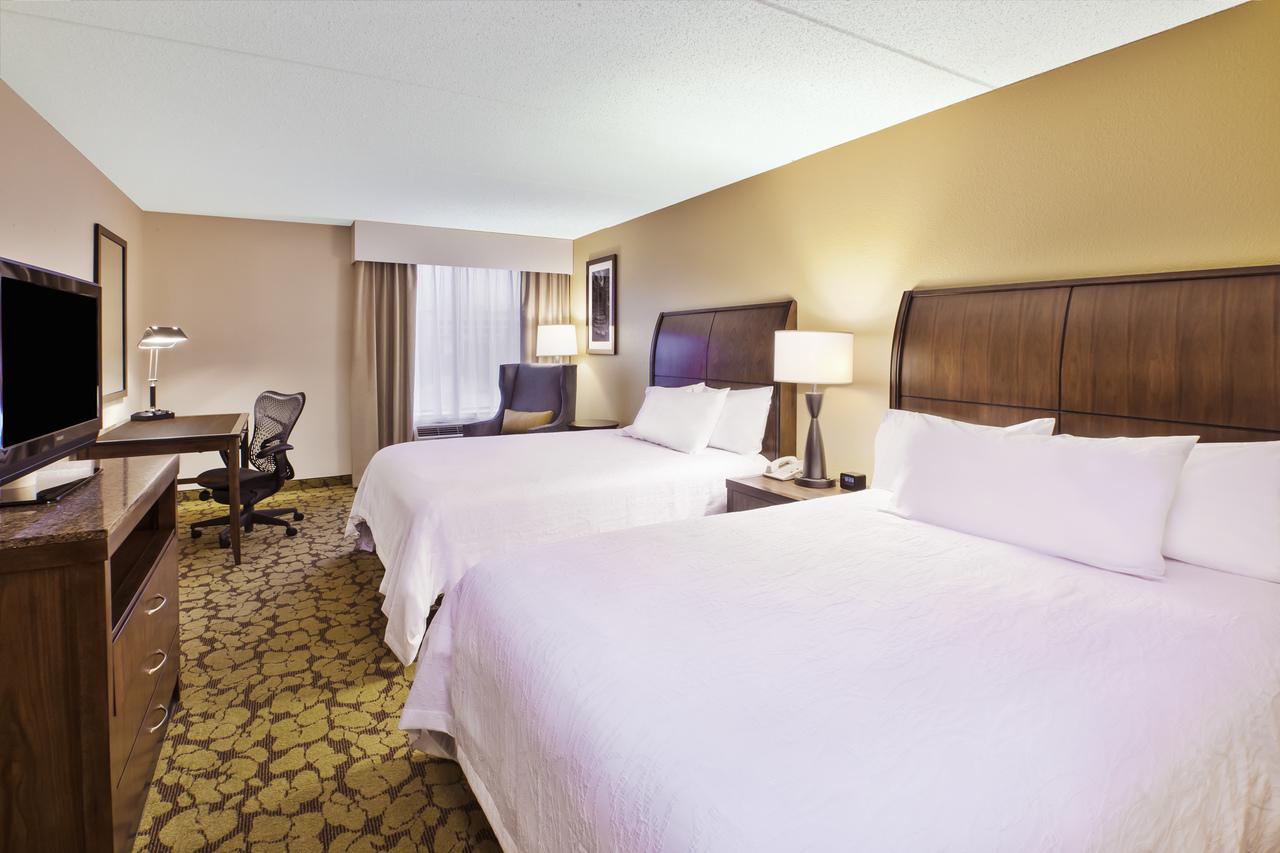 Hilton Garden Inn Cleveland Downtown Cleveland Oh 44115