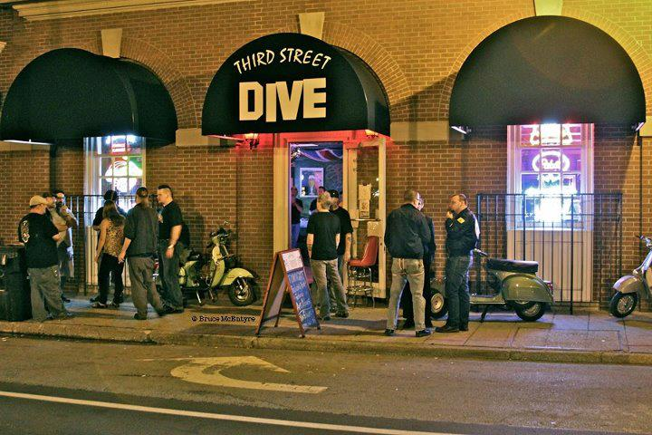 Photo of Third Street Dive