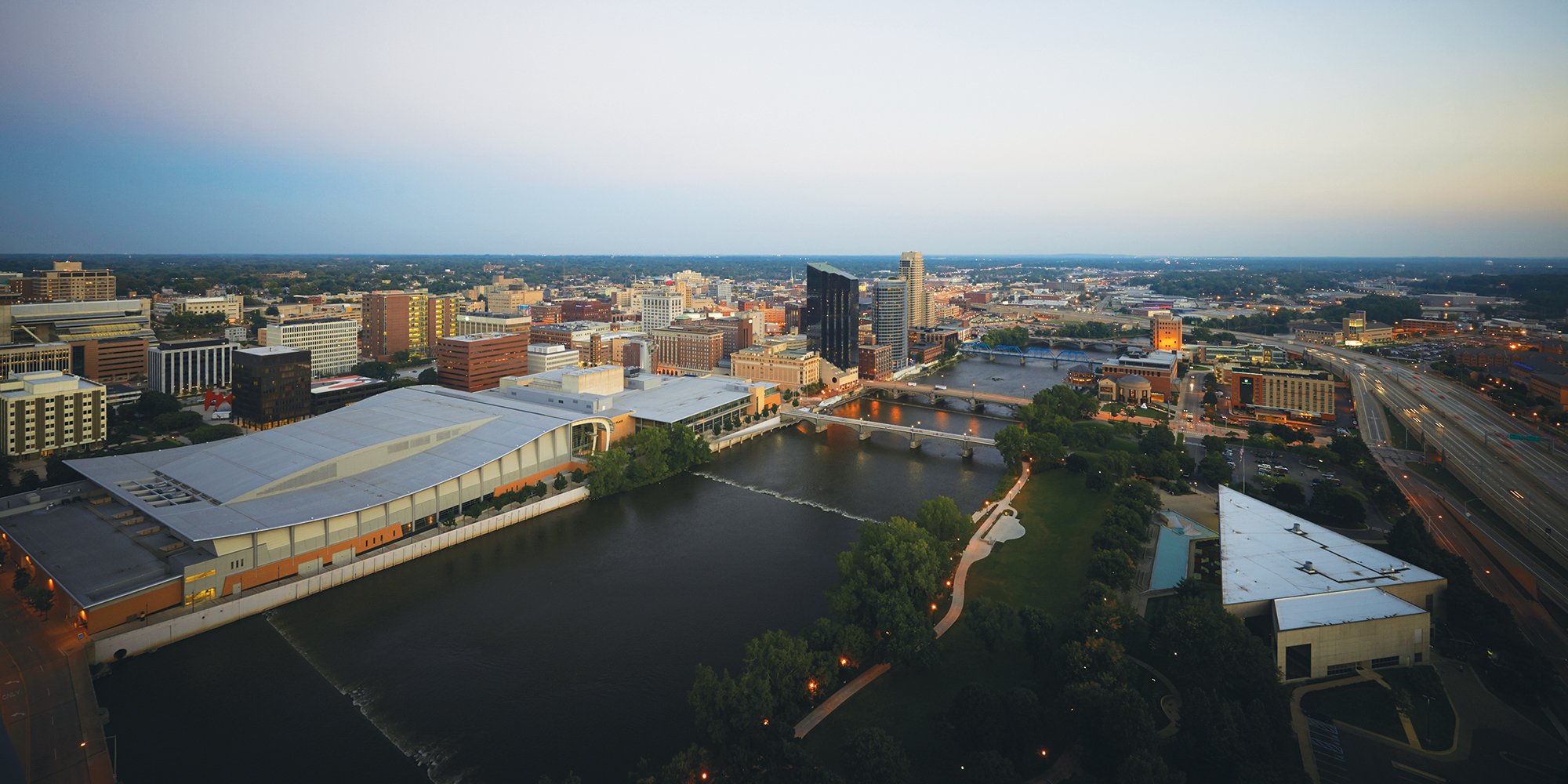 City Of Grand Rapids >> Grand Rapids Visitors Guide Plan Your Next Grand Rapids Vacation