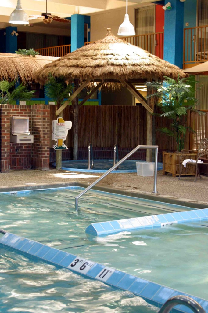 Castaway Bay pool and Tiki Spa
