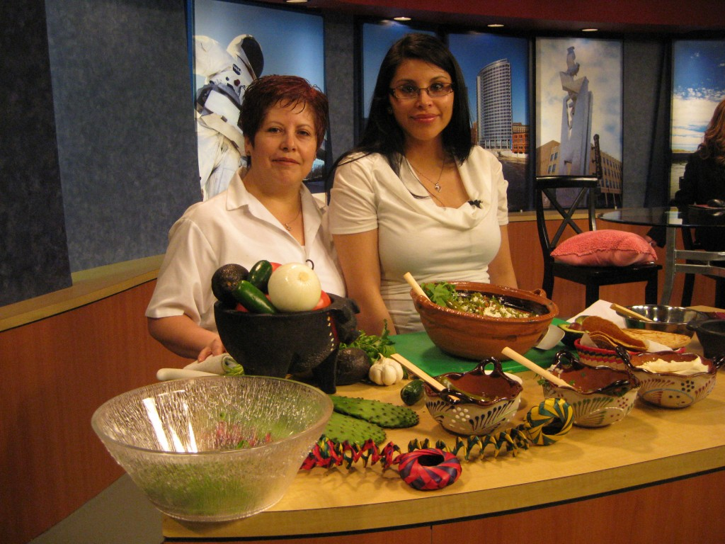 Mercedez Lopez-Duran and her daughter, Paola R. Mendivil
