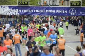Runners at the Fifth Third River Bank Run