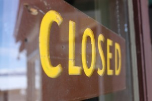 Closed sign by Flickr user Bryan Mills
