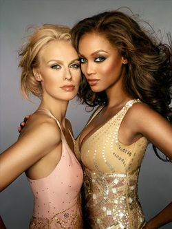 Cycle 6 Runner-up, Joanie Dodds poses with model & ANTM Creator, Tyra Banks