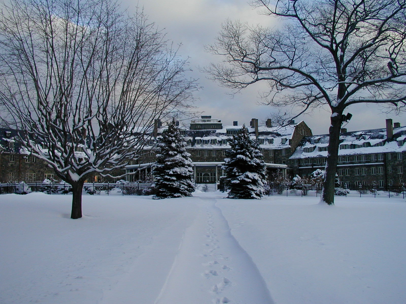 skiing in the pocono mountains   resorts, cottages & inns