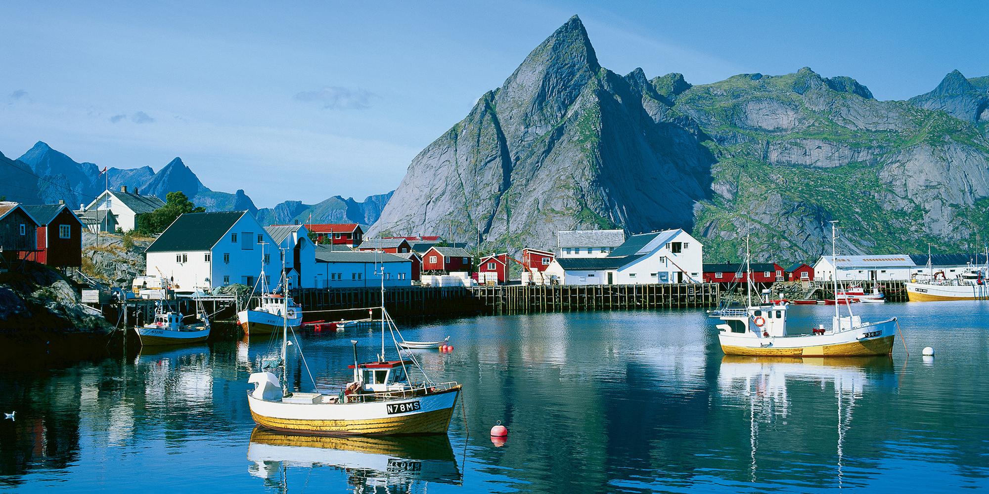 The Lofoten Islands Norway Mountain Peaks Arctic Fjords - Norway map lofoten islands