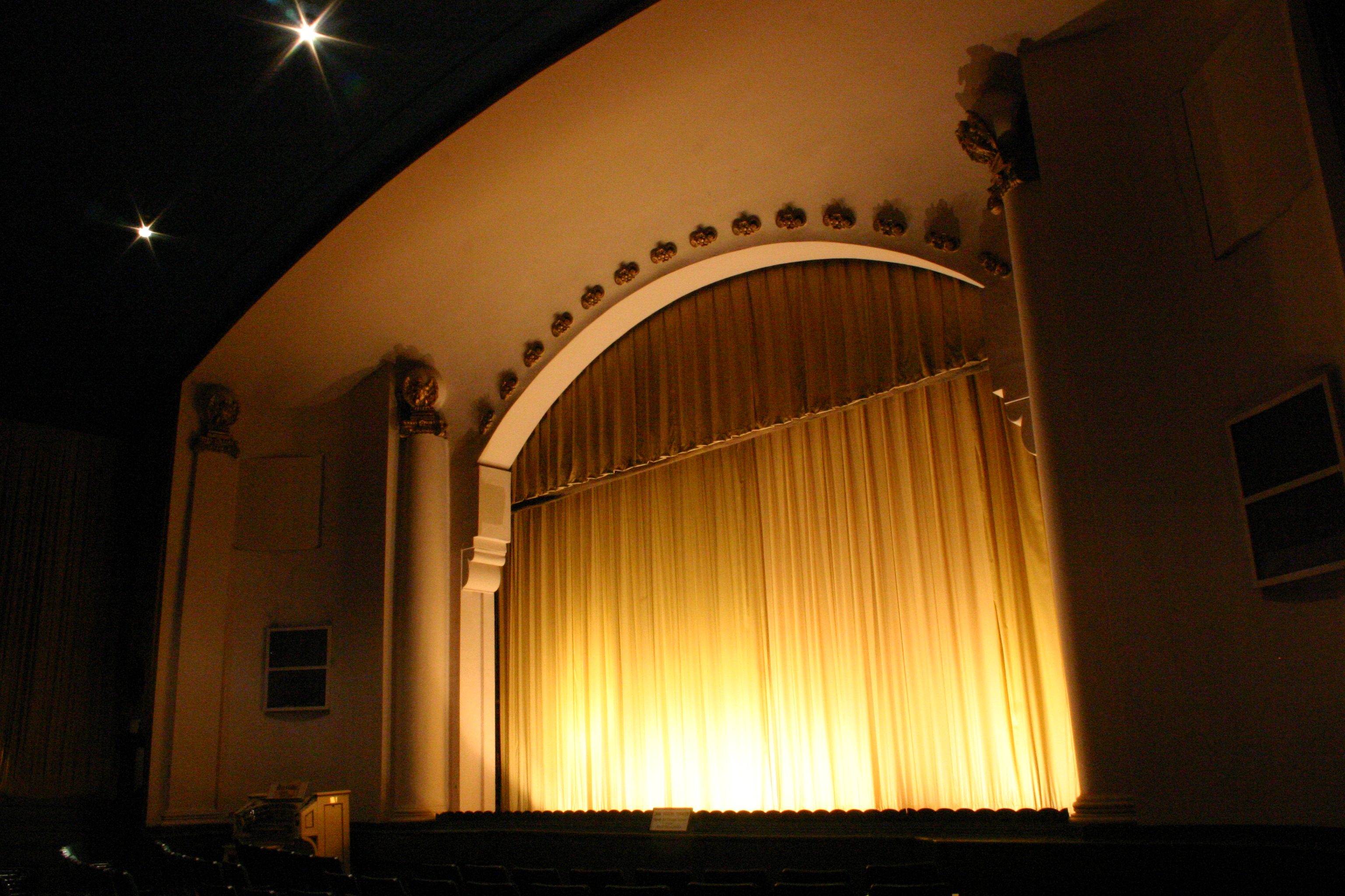 theatre stage_credit Jane Pickens Theatre
