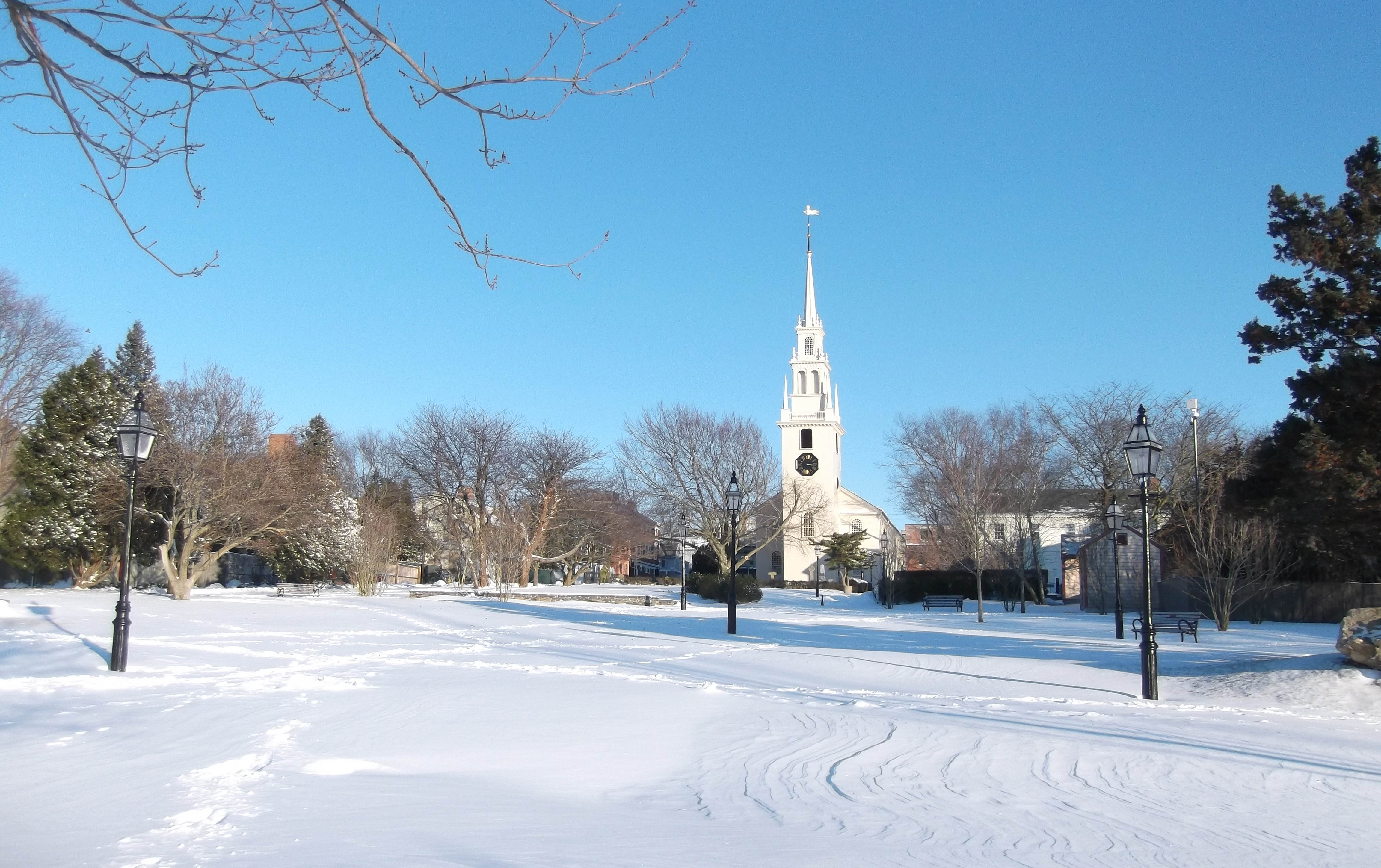 trinity church queen anne square winter_credit Discover Newport