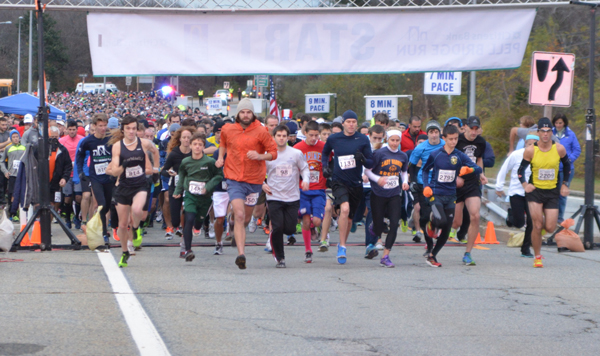 pell-bridge-run-starting-line_credit-Gray-Matter-Marketing