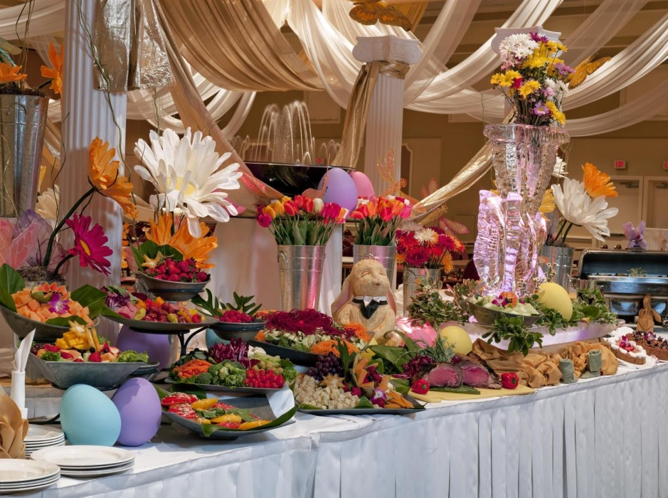 Visit the Hyatt Regencys Grand Ballroom on Goat Island this Sunday for an Easter Special! Beginning at 11am, breakfast, carved offerings, a kids station and holidays desserts will be served until 3pm. The price for children ages 5-10 is $19.95, $37.95 for persons over 62 and $49.95 for all other ages. There will also be an Easter Egg Hunt for kids beginning at 11:30am! Reservations are required for brunch. Call 401-851-3301 to reserve a seat!
