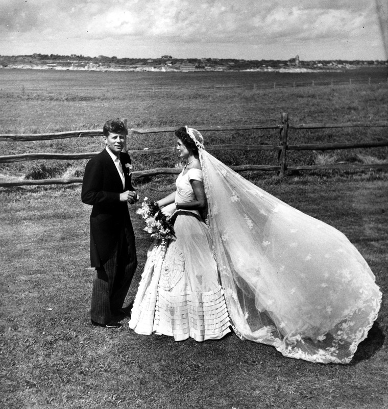 PX 81-32:65 12 September 1953 Hammersmith Farm, Newport, Rhode Island Wedding of Senator John F. Kennedy and Jacqueline Bouvier. Photograph in the Toni Frissell Collection, Library of Congress.
