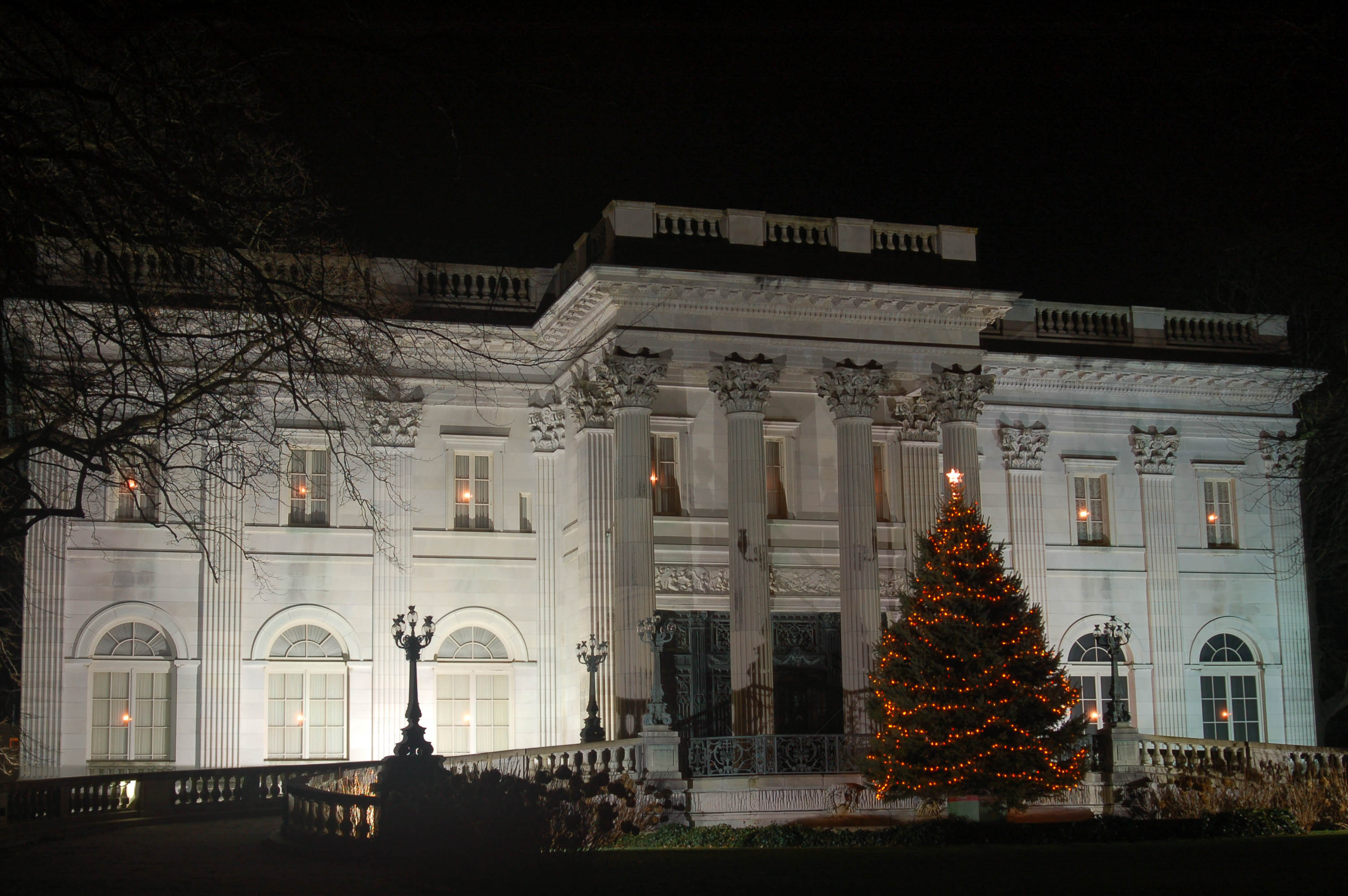 Christmas in Newport, Mansions at Night, 12/14/09