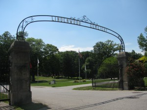 entrance to Lindenwood Cemetery