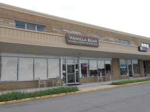 Here's the Vanilla Bean - an easy stroll in from the convenient parking lot.