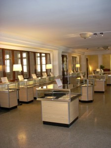 The gallery at the Karpeles Manuscript Library contains 26 exhibits.