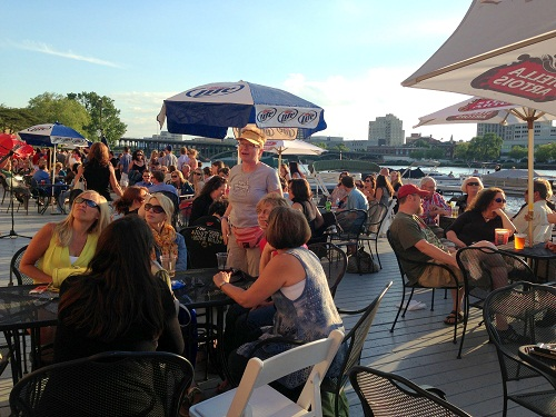 dinner on the dock - crowd