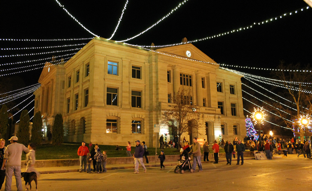 Christmas on the Square & Start a New Holiday Tradition Nov. 29 in Danville azcodes.com