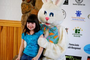 Photos with the Easter Bunny at Ellis Park.