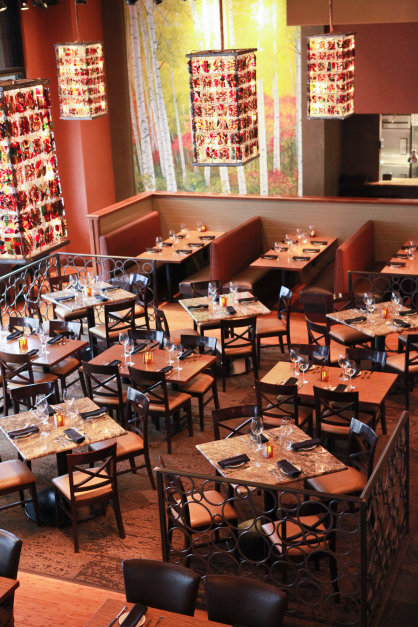 Stone Creek in Plainfield offers a contemporary & comfortable dining experience!