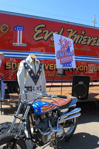Evel Knievel press announcement