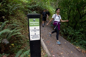 Hikers enjoy a portion of Ridgeline Trail in Eugene. (Photo by Chris Pietsch)