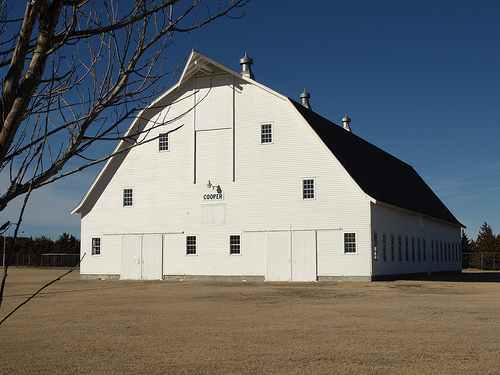 Large Barn in Colby