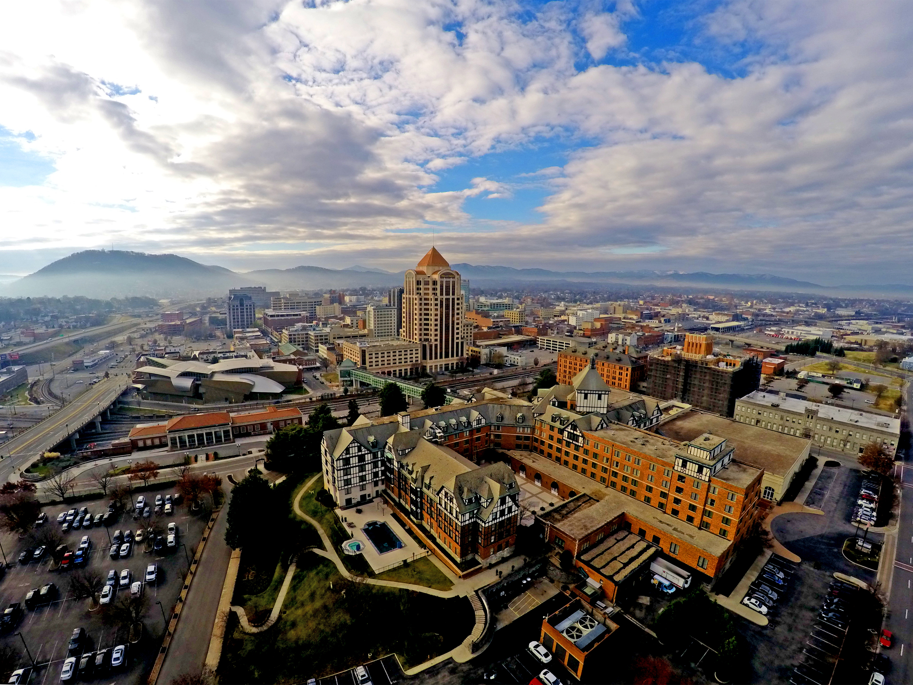 FAQs about The Blue Ridge Mountains and Roanoke
