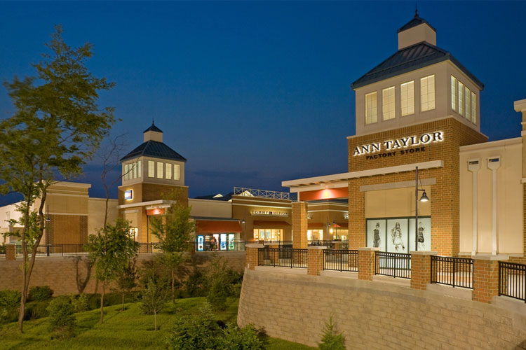 Treat yourself to savings at the Philadelphia Premium Outlet's Halloween Spooktacular.