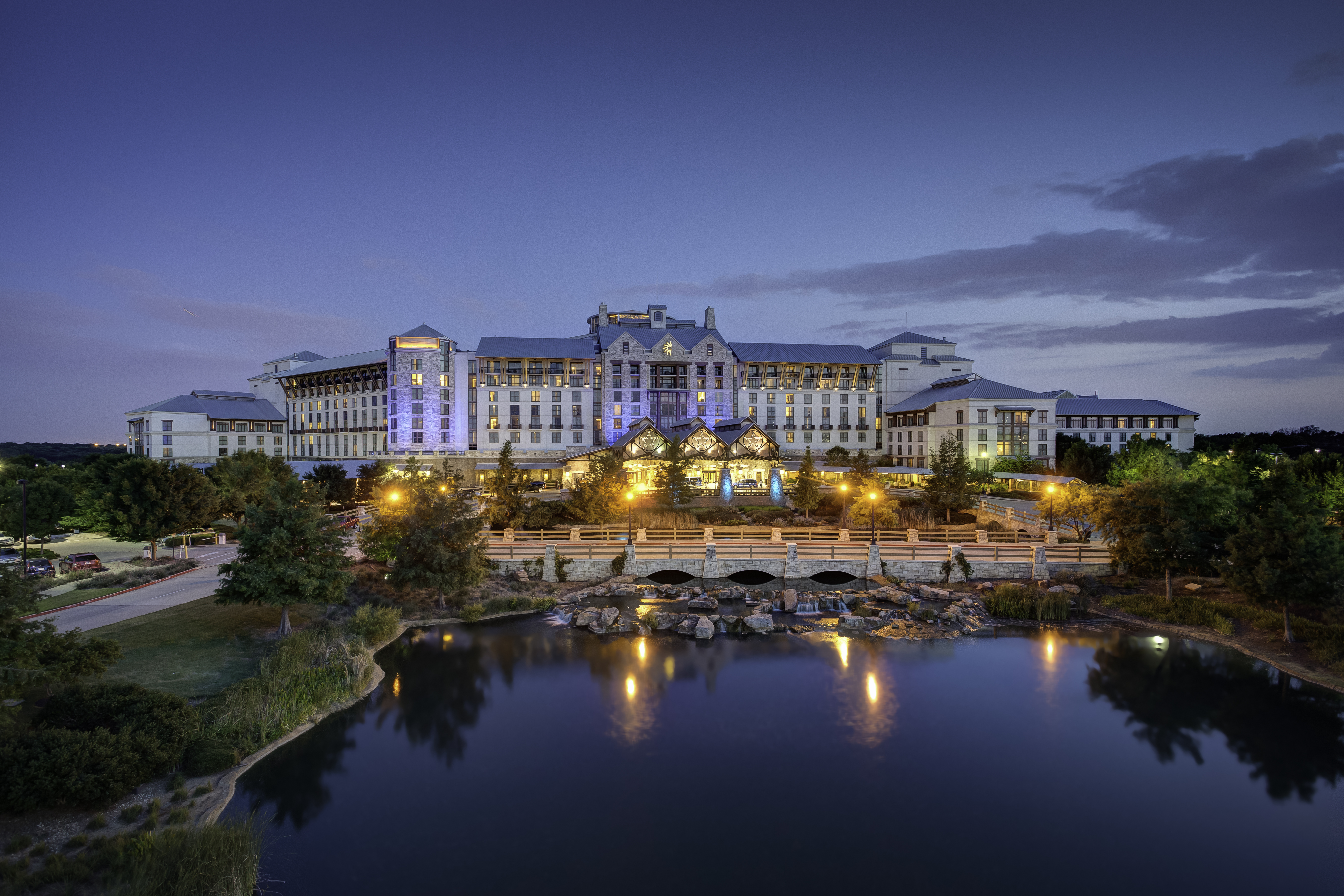 Gaylord Texan Shines Bright in Grapevine, Texas