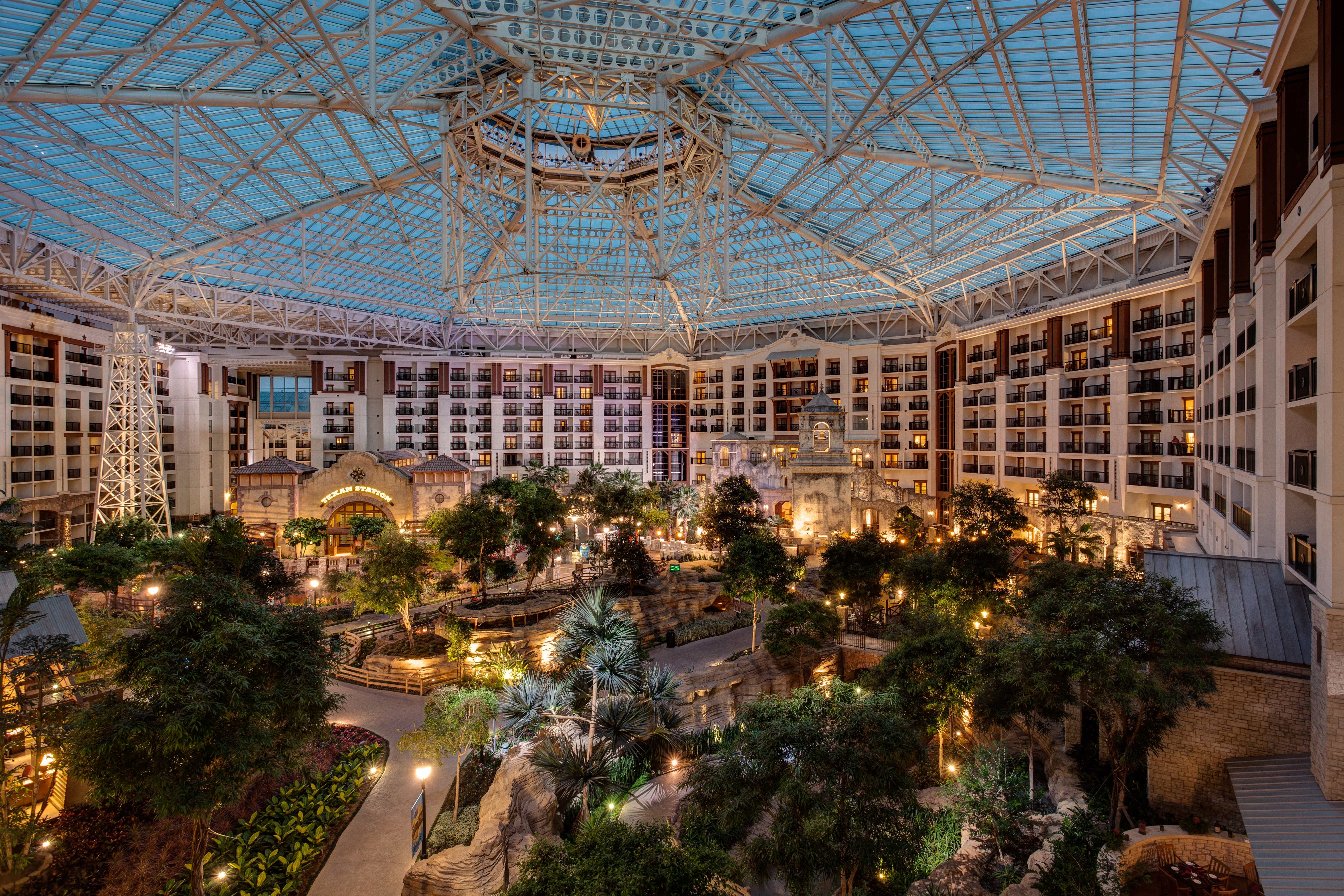 A View of the Gaylord Texan Atrirum
