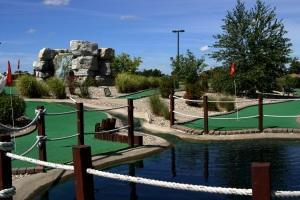 BenAri mini golf