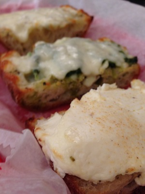 Delullo's garlic bread
