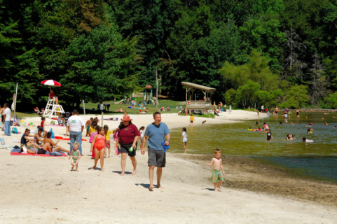 Cunningham_Falls_State_Park_Lake.jpg