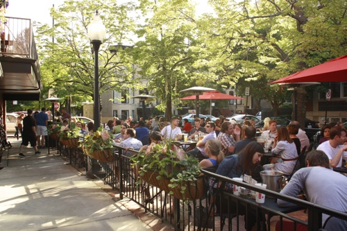 Ranalli's outdoor patio dining in Chicago