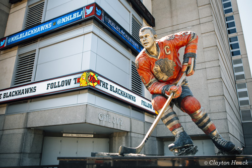 United Center Stan Mikita statue