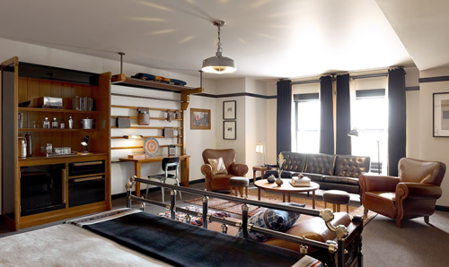 Chicago Athletic Association Hotel guest room