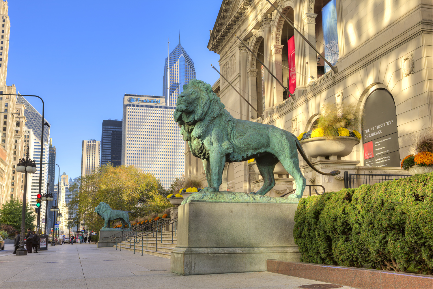 art institute of chicago find top museums attractions