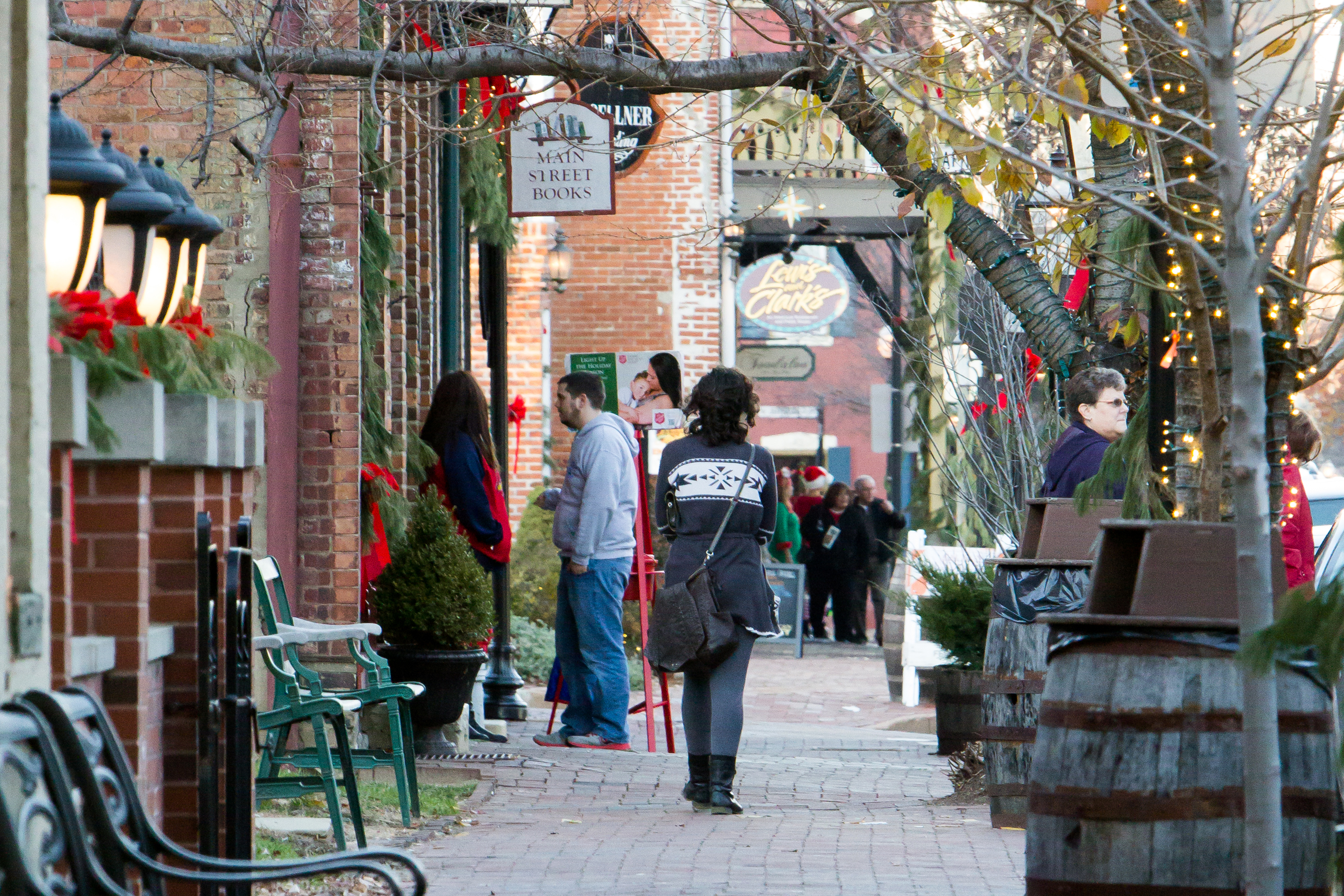 Main Street in St. Charles | Historic District & Shopping