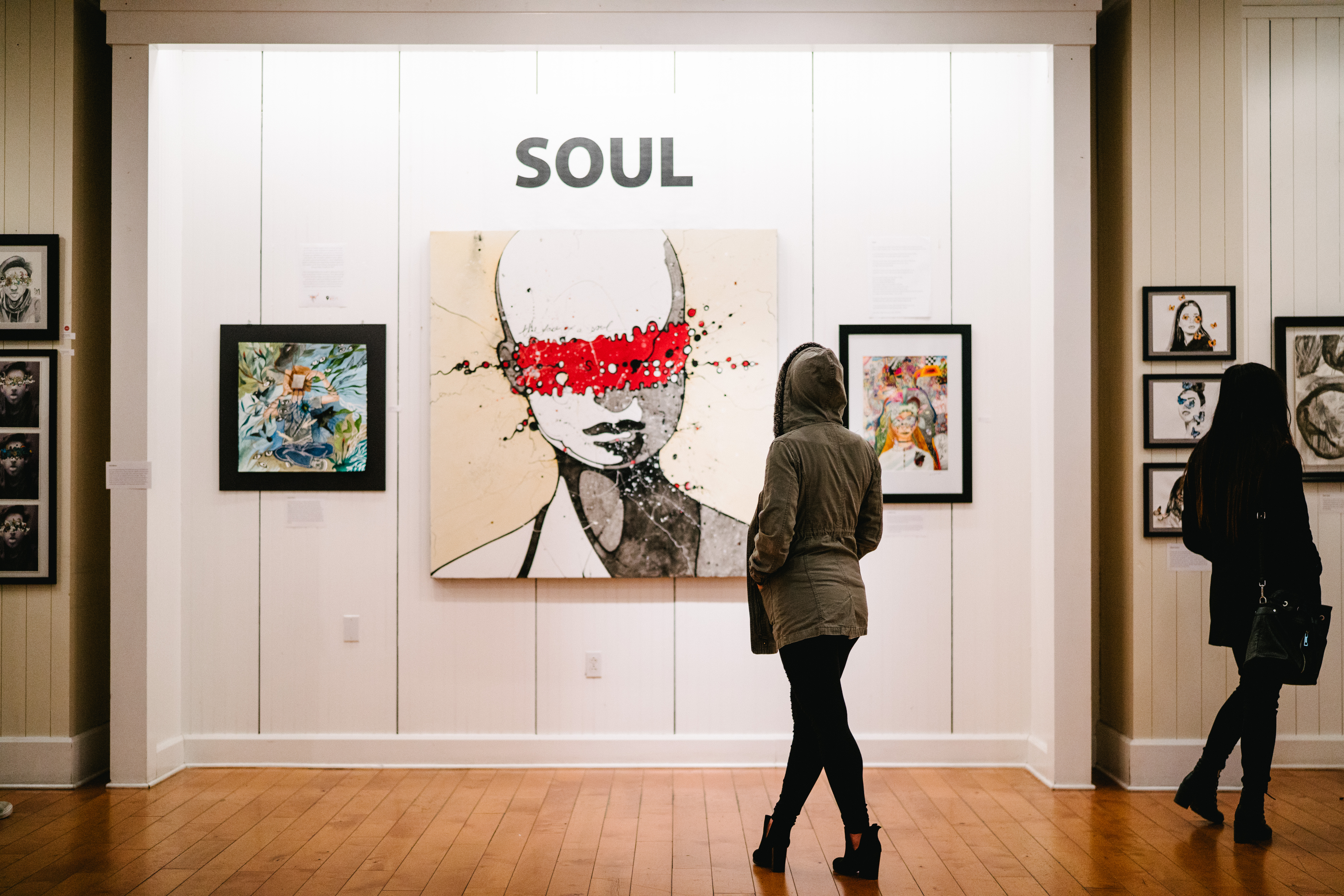 Watch How to Advertise an Art Gallery Show video