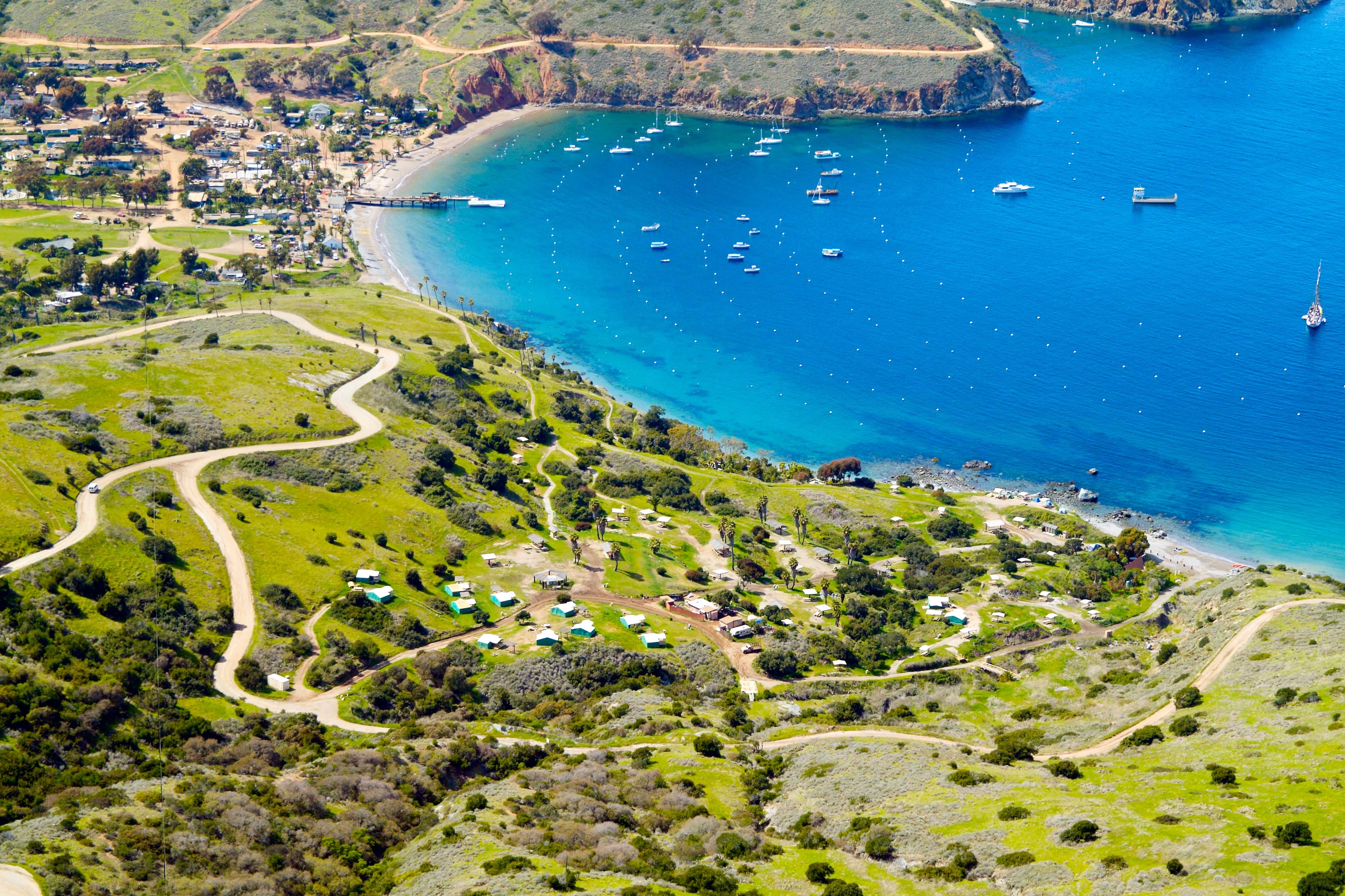 Two Harbors CA | Catalina Island Things to Do, Hotels & Events