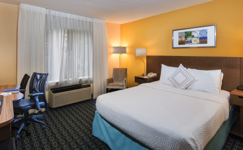 Fairfield-Inn-Suites-Buckhead-Single-Room