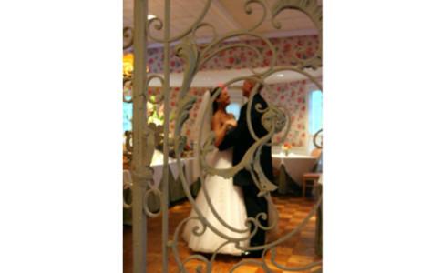 vertical-bride-and-groom